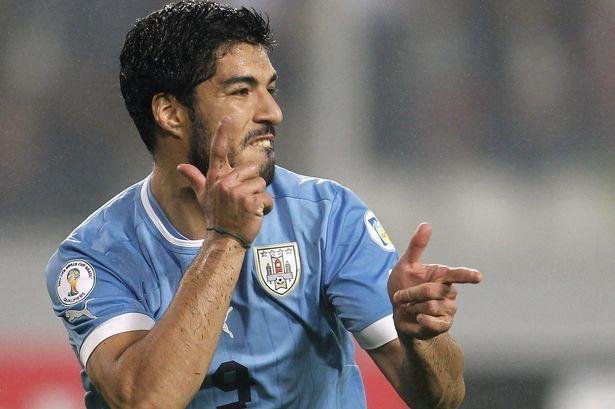 Suarez con la maglia dell'Uruguay