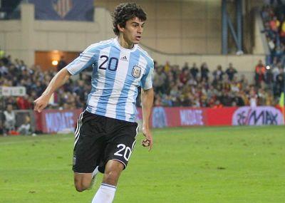il neo acquisto genoano Diego Perotti con la maglia dell'Argentina