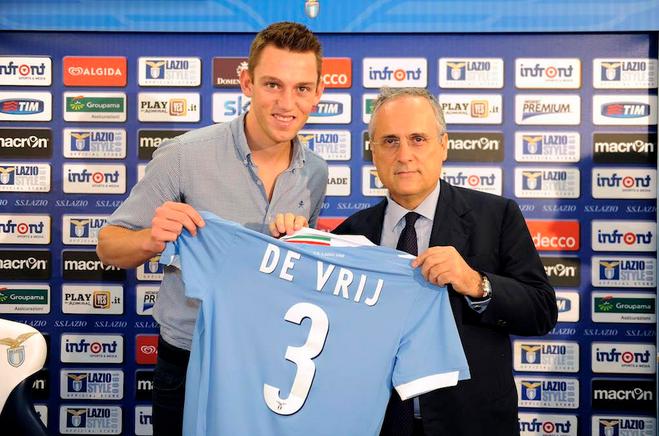 De Vrij presentato come nuovo giocatore della Lazio