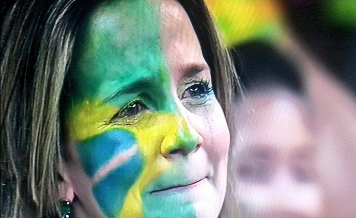 donna piange