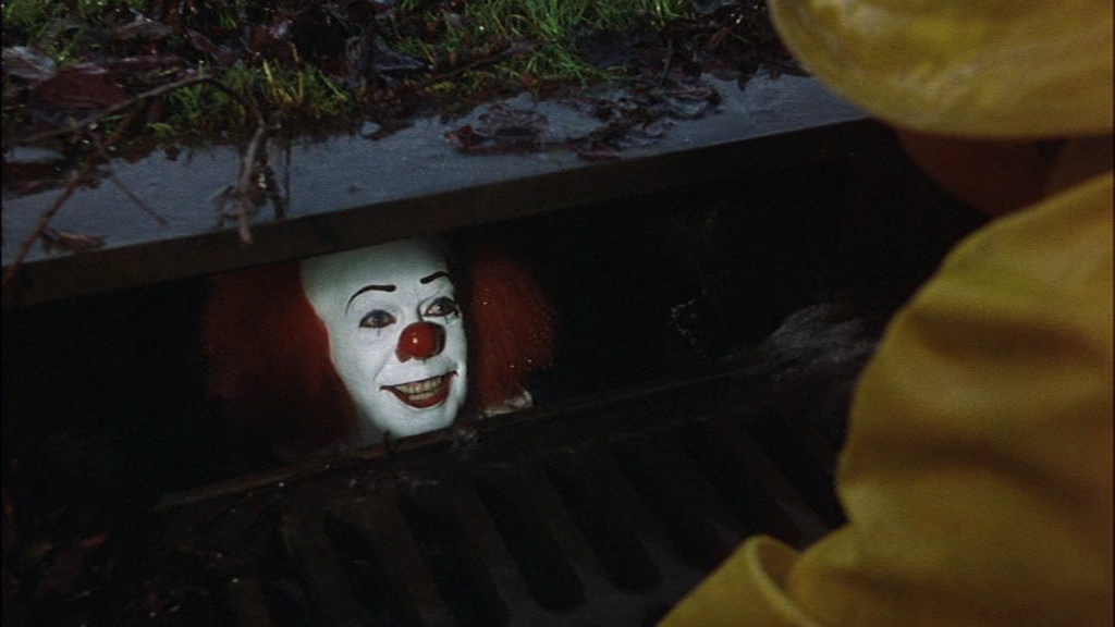 Tim Curry è It nella miniserie di Tommy Lee Wallace, 1990