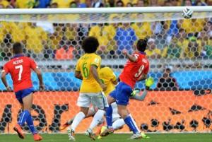 """Mondiali: Pinilla manca di pochi centimetri il """"Mineirazo"""""""
