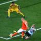 Mascherano salva su Robben ma si procura un brutto infortunio