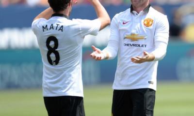 Mata e Rooney, decisivi nel 3-2 alla Roma