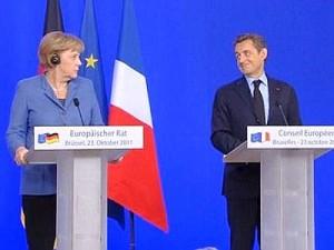 La Merkel e Sarkozy sorridono di Berlusconi: altri tempi