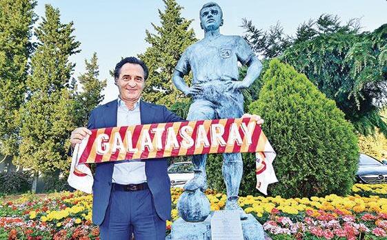 Prandelli si presenta alla stampa come nuovo tecnico del Galatasaray