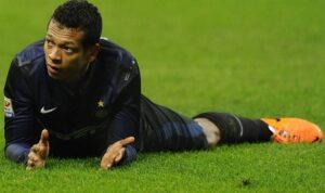 Fredy Guarin in uscita dall'Inter