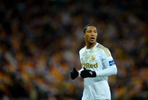 De Guzman con la maglia dello Swansea in Premier