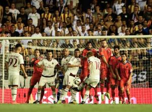 Valencia-Milan 2-1: Honda a segno su punizione