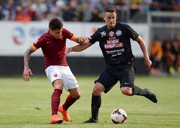 Juan Iturbe, a segno contro il Wiener SK