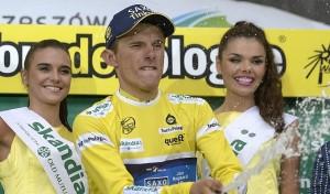 Rafal Majka con la maglia gialla indossata nel Giro di Polonia dell'anno scorso
