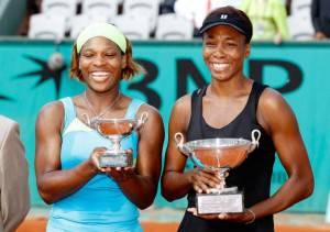 Le sorelle Williams al Roland Garros 2010. Nel torneo parigino conquistarono il doppio.