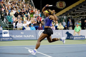 Serena Williams vola in semifinale del WTA Cincinnati