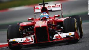 Fernando Alonso, dal 2010 alla guida della Rossa di Maranello, giura fedeltà alla Ferrari ed apre per un futuro insieme ancor più lungo
