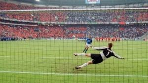 Italia-Olanda 3-1: il folle cucchiaio di Francesco Totti