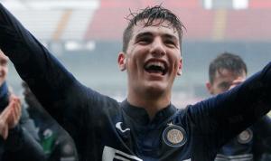 L'esultanza di Federico Bonazzoli, autore di ben 4 gol nella netta affermazione dell'Inter in casa del Perugia