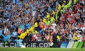 Adebayor realizza il gol dell'ex e va ad esultare sotto lo spicchio dei suoi vecchi tifosi