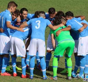 La formazione Primavera del Napoli ha avuto la meglio sulla Lazio per 2-1, riscattando il sofferto pareggio dell'esordio in casa del Crotone