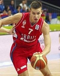 Bogdan Bogdanovic, trascinatore della Serbia contro la Grecia.