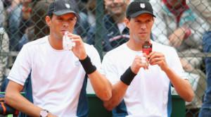 Mike e Bob Bryan, vincitori allo US Open del loro centesimo titolo di doppio