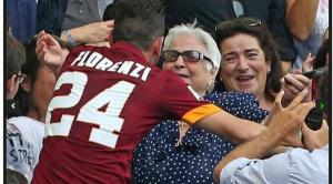 Alessandro Florenzi abbraccia la nonna dopo il goal