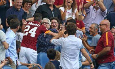 L'affettuoso abbraccio di Alessandro Florenzi dopo il suo gol realizzato al Cagliari.