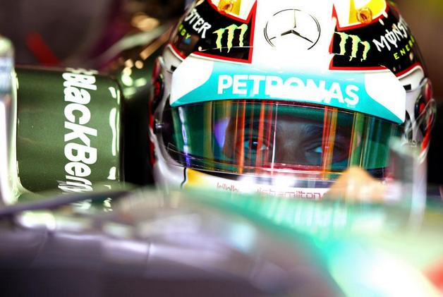 Hamilton in pole al Gp d'Italia