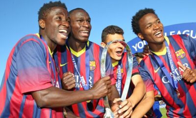 La formazione U19 del Barcellona festeggia la conquista della UEFA Youth League 2013/14