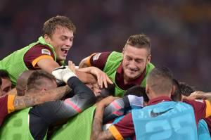 La Roma festeggia il quinto successo consecutivo in Serie A