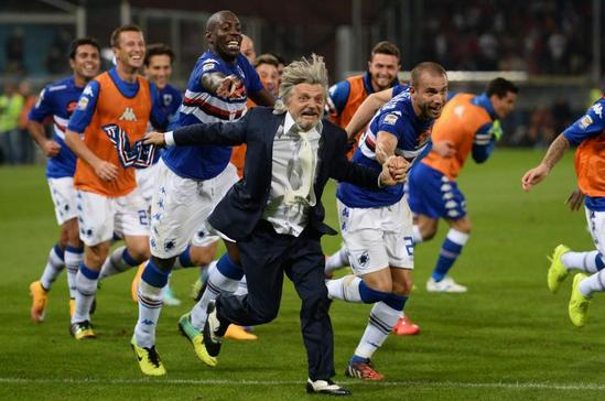 Sampdoria in festa dopo la vittoria per 1-0 nel derby contro il Genoa