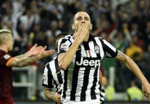 Centinaia di Tweet polemici sul gol di Bonucci.
