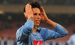 Un giovanissimo Marek Hamsik festeggia uno dei suoi primi gol con la maglia del Napoli