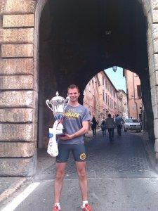 """Salvatore Gambino, qui alla """"Corri Gaeta"""", vero vincitore della Deejay Ten di Linus 2014"""