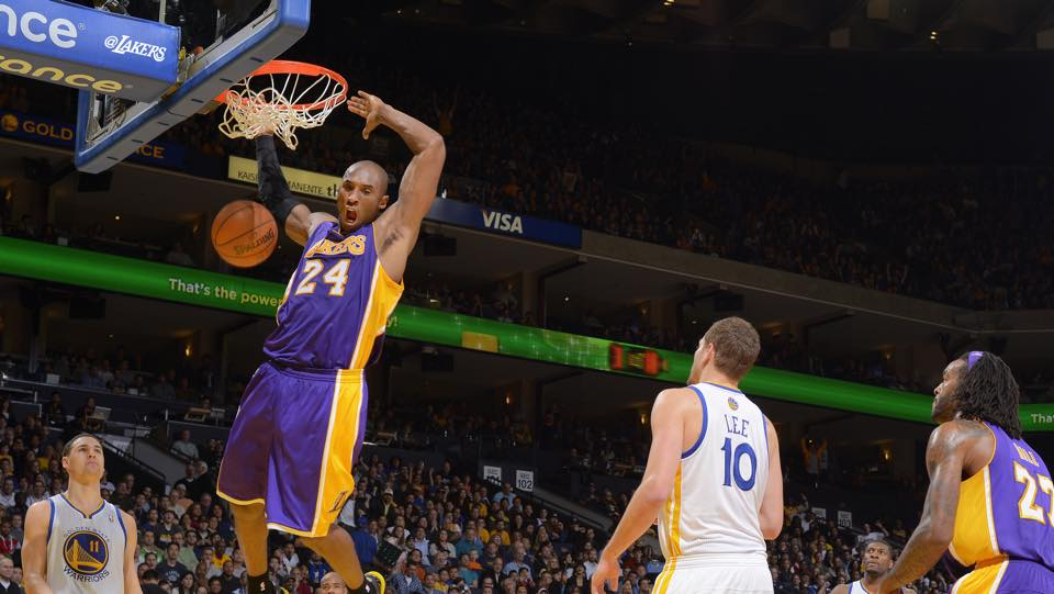 Kobe Bryant al comando della Top 10 Nba plays dell'1-11-2014