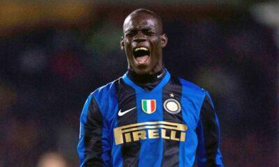 Mario Balotelli con la maglia dell'Inter, squadra che lo ha lanciato nel grande calcio