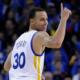 Curry trascina i suoi Warriors alla vittoria sui Mavs nella notte Nba