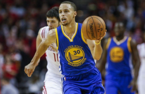 25 punti ed 11 assist per Steph Curry contro i Knicks