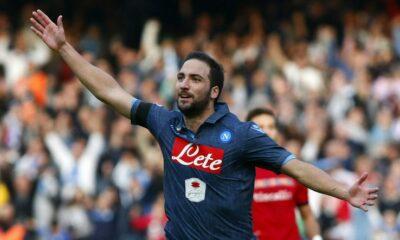 Napoli-Cagliari 3-3, Higuain