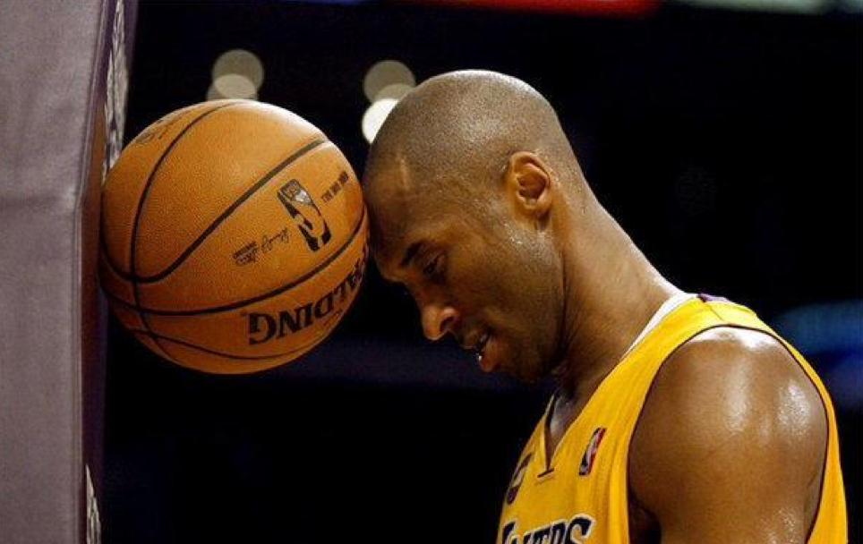 Povero Kobe: 44 punti ma i Lakers sono travolti da GS