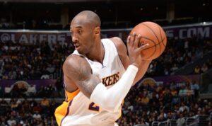 I Lakers vincono nella notte Nba grazie a un super Bryant.