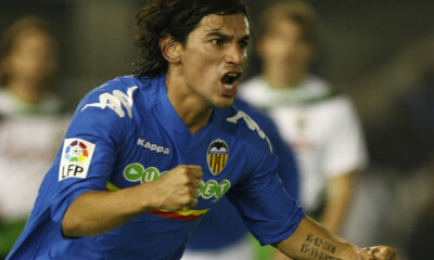 Tino Costa è pronto per il suo debutto in Serie A con la maglia del Genoa.