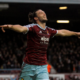 West Ham-Swansea 3-1, doppietta di Carroll