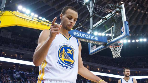 24 punti per Steph Curry.