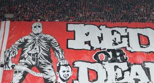 Ultrà: Lo striscione dei tifosi dello Standard Liegi