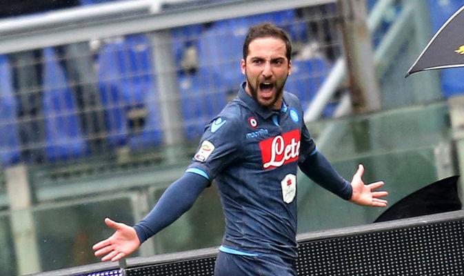 Higuain, il migliore nelle pagelle di Lazio-Napoli.