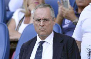 Nonostante i risultati positivi, Lotito non è ben visto da buona parte della tifoseria della Lazio.