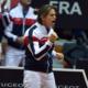 Amelie Mauresmo esulta dopo la vittoria contro l'Italia nel doppio