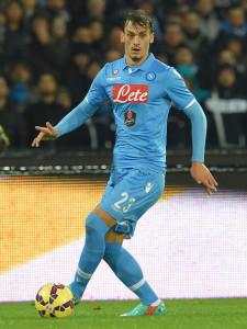 Manolo Gabbiadini in azione con la maglia del Napoli