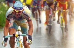Lo scatto di Marco Pantani sul Galibier nel Tour del '98 è entrato a far parte della storia dello sport.