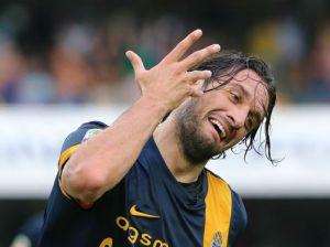 Serie A: Luca Toni, bomber del Verona, titolare contro il Torino.